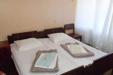 "фото 2-местный номер, База отдыха ""Черноморец"" (Гудаута), Абхазия"