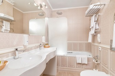 "фото Довильь, Отель ""Alean family resort & Spa Doville"" (бывш. ""Довиль Отель & SPA""), Анапа"