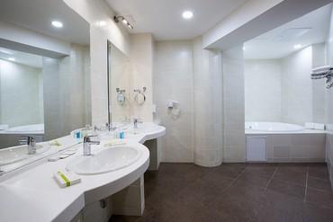 """фото Ванная комната, Отель """"Бридж Резорт"""", Сочи"""