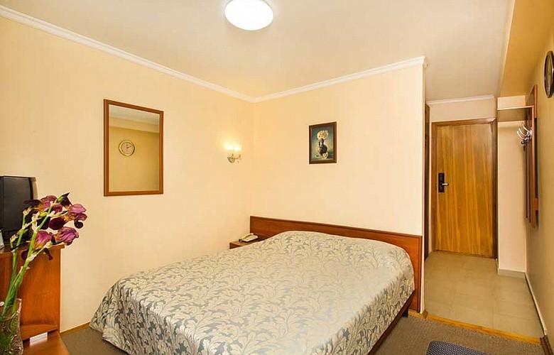 «Стандарт» 1-комнатный 1-местный  с балконом 2 категории №405