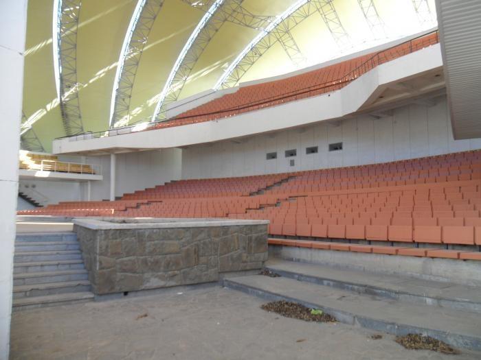 Крытый летний киноконцертный зал
