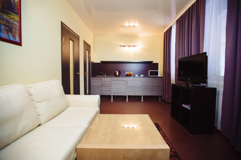 двухкомнатный номер в коттедже люкс 5, люкс 6 с балконом