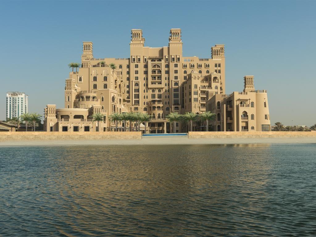 """фото Главный вид, Отель """"Sheraton Sharjah Beach Resort & Spa"""" 5*, ОАЭ"""
