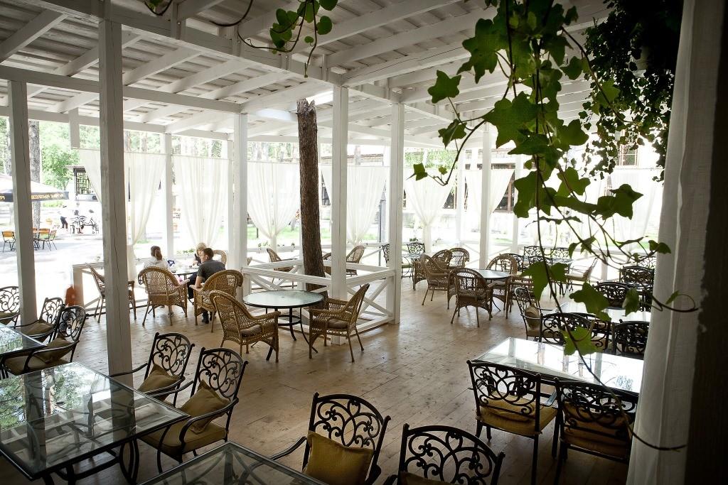 Веранда ресторана «Клюква в Сахаре»