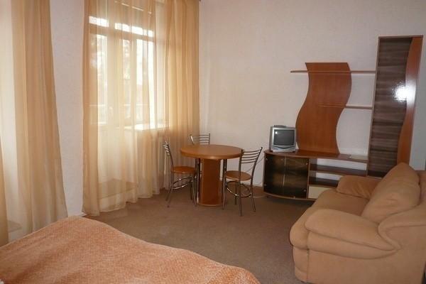 Апартаменты с кухней №412