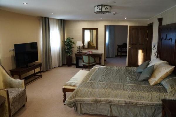 Люкс Короля 2-местный 2-комнатный