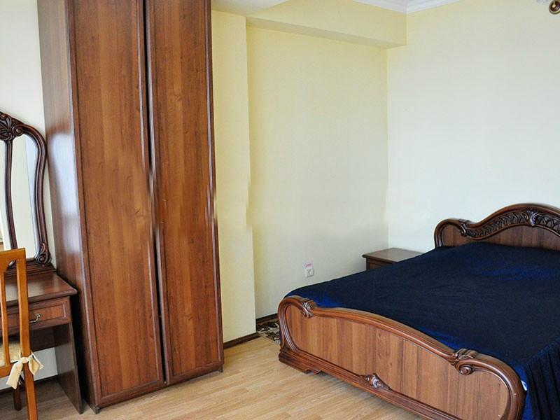 2-х местный 2-х комнатный номер «Люкс» с ванной/душем