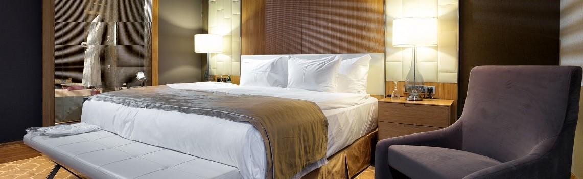 New executive  suite bedroom min