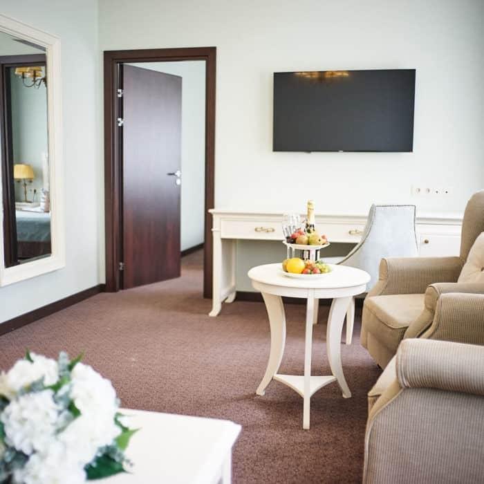 Family-room-grumant-hotel-6-700x700
