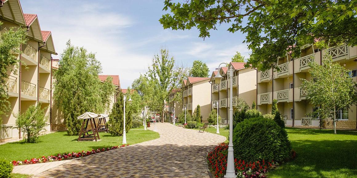 "фото Довиль, Отель ""Alean family resort & Spa Doville"" (бывш. ""Довиль Отель & SPA""), Анапа"