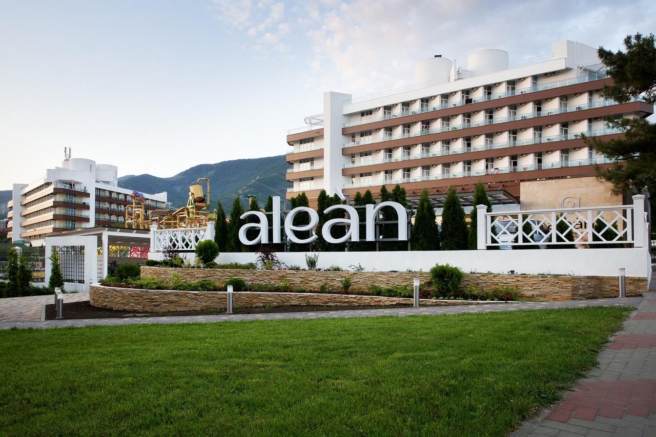 """фото Jv-ueOqOvjc, ALEAN FAMILY RESORT & SPA BIARRITZ / Биарриц отель (бывш. """"Сосновая роща""""), Геленджик"""